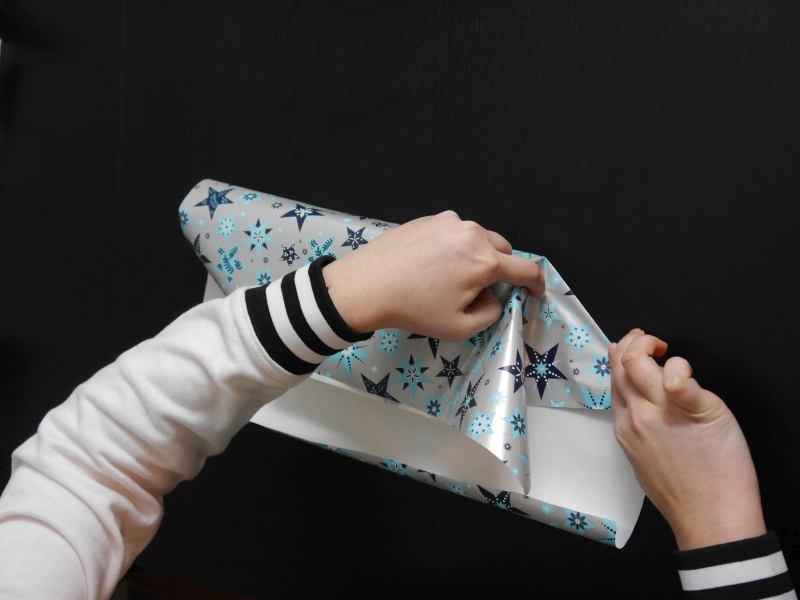 buch als geschenk verpacken b cher verpacken 11 kielfeder. Black Bedroom Furniture Sets. Home Design Ideas