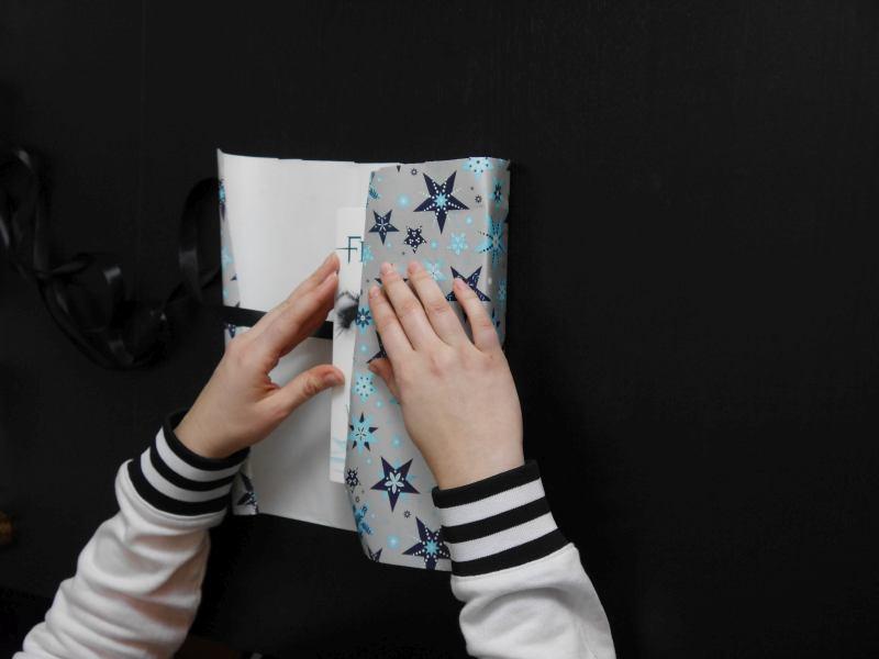 Buch verpacken-Buch als Geschenk verpacken-Buch einpacken