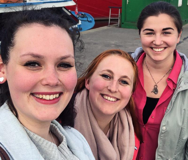 Berenike Woy, Tina Hagelstein und Ramona Nicklaus beim Bloggertreffen-Monatsrückblick Mai