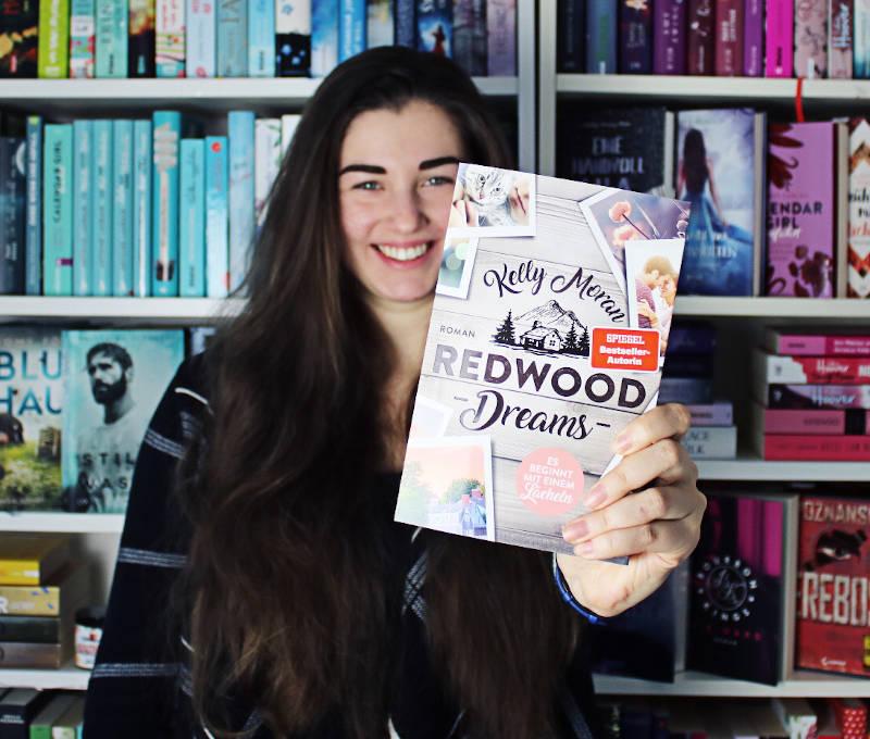 Redwood Dreams Es beginnt mit einem Lächeln von Kelly Moran-Rezension