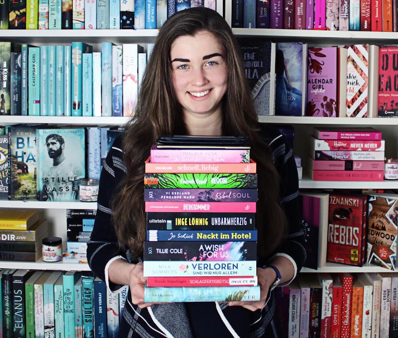 Gelesene Bücher Bücherstapel im März-Monatsrückblick März 2020