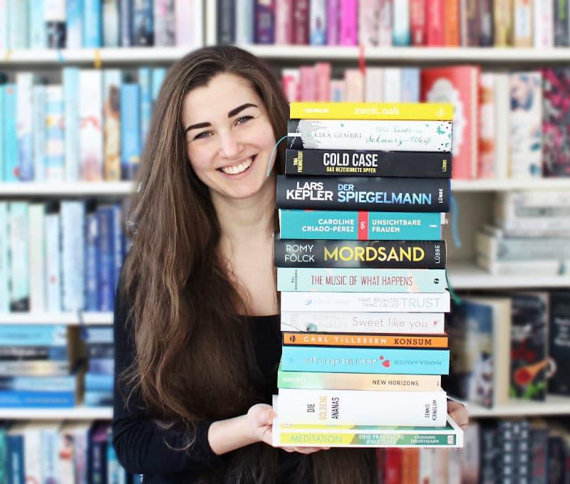 Gelesene Bücher Bücherstapel im Februar-Monatsrückblick Februar 2021